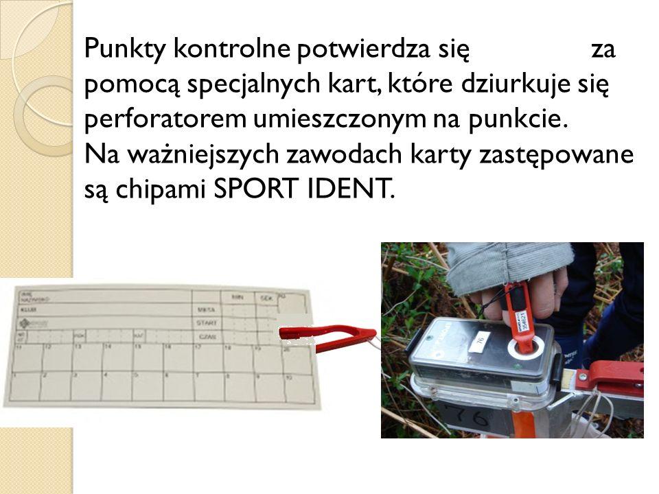 Punkty kontrolne potwierdza się za pomocą specjalnych kart, które dziurkuje się perforatorem umieszczonym na punkcie.