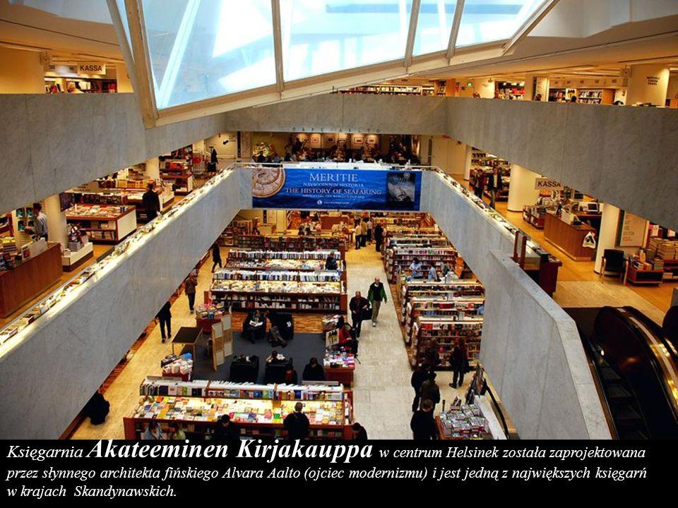 Księgarnia Akateeminen Kirjakauppa w centrum Helsinek została zaprojektowana przez słynnego architekta fińskiego Alvara Aalto (ojciec modernizmu) i jest jedną z największych księgarń