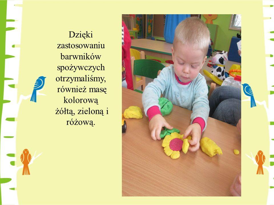 Dzięki zastosowaniu barwników spożywczych otrzymaliśmy, również masę kolorową żółtą, zieloną i różową.
