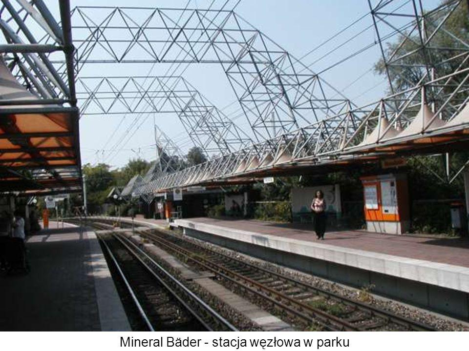 Mineral Bäder - stacja węzłowa w parku