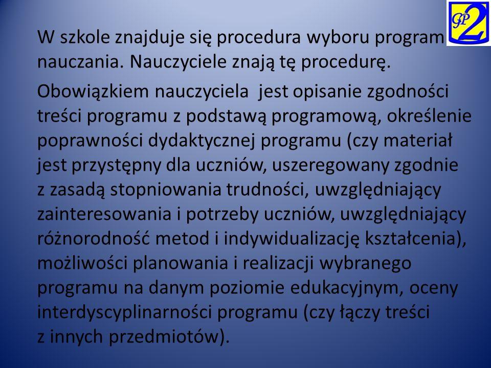 W szkole znajduje się procedura wyboru programu nauczania