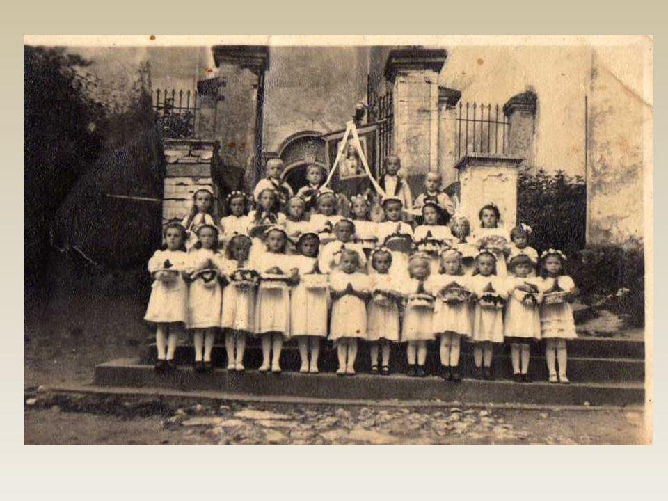 Pierwsza komunia święta. Zdjęcie pochodzi z 1942r