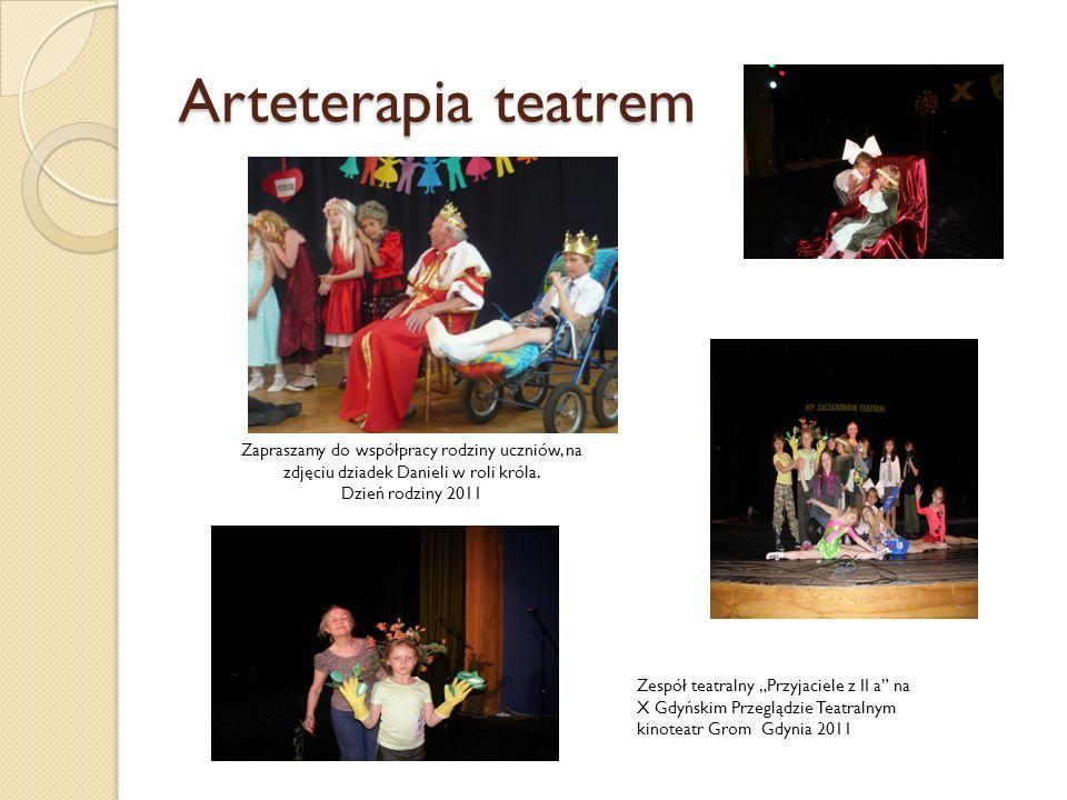 Arteterapia teatrem Zapraszamy do współpracy rodziny uczniów, na zdjęciu dziadek Danieli w roli króla.