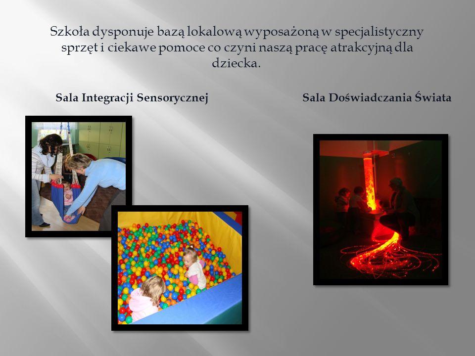 Szkoła dysponuje bazą lokalową wyposażoną w specjalistyczny sprzęt i ciekawe pomoce co czyni naszą pracę atrakcyjną dla dziecka.