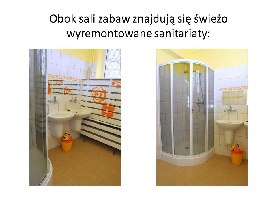 Obok sali zabaw znajdują się świeżo wyremontowane sanitariaty: