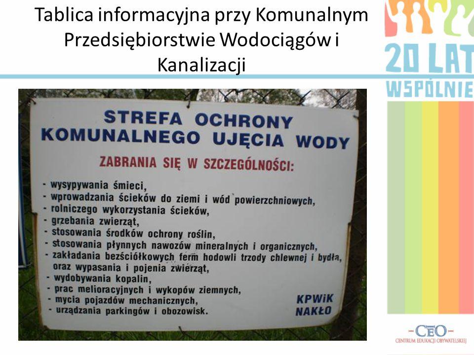Tablica informacyjna przy Komunalnym Przedsiębiorstwie Wodociągów i Kanalizacji