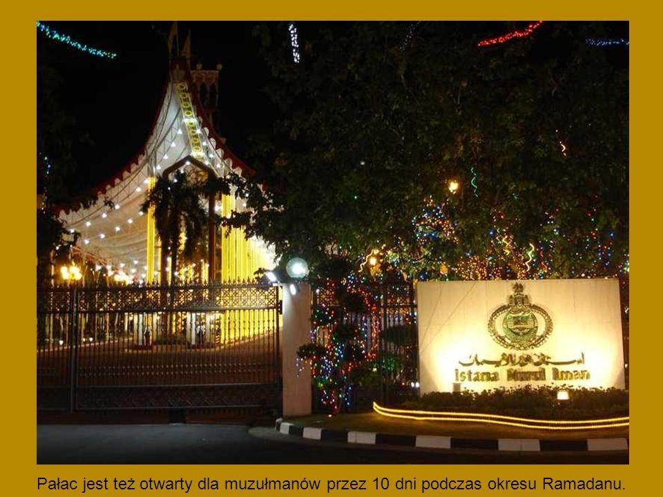 Pałac jest też otwarty dla muzułmanów przez 10 dni podczas okresu Ramadanu.