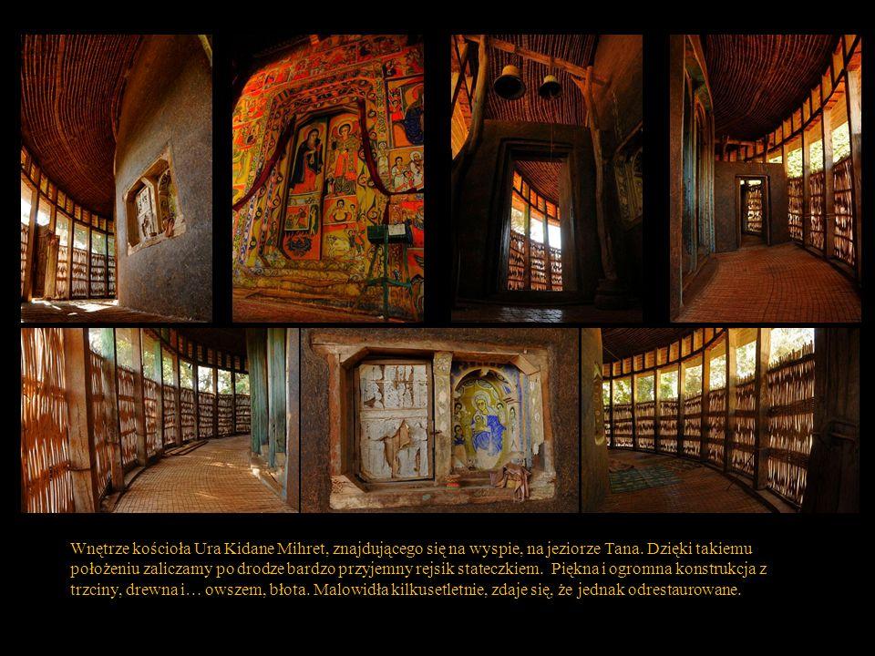 Wnętrze kościoła Ura Kidane Mihret, znajdującego się na wyspie, na jeziorze Tana.