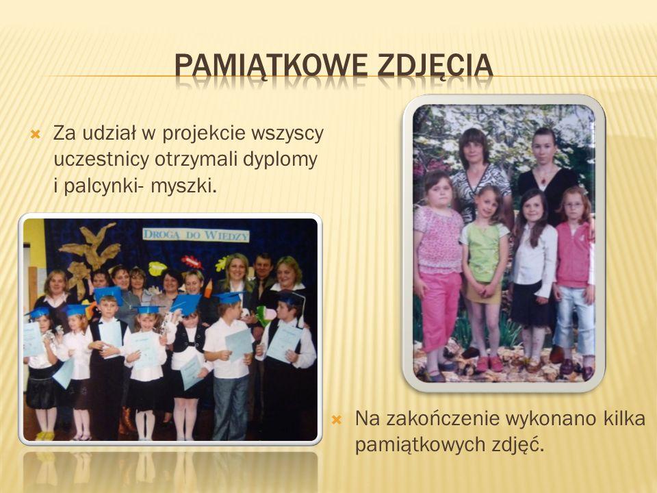 Pamiątkowe zdjęcia Za udział w projekcie wszyscy uczestnicy otrzymali dyplomy i palcynki- myszki.