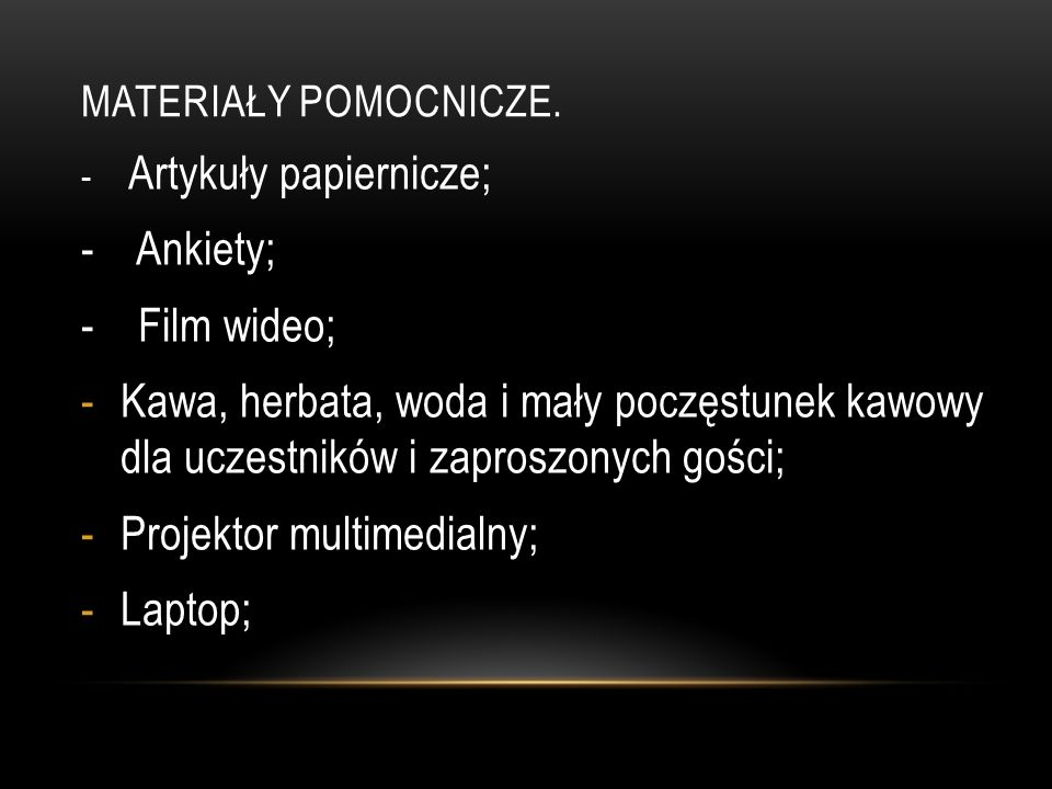 Projektor multimedialny; Laptop;