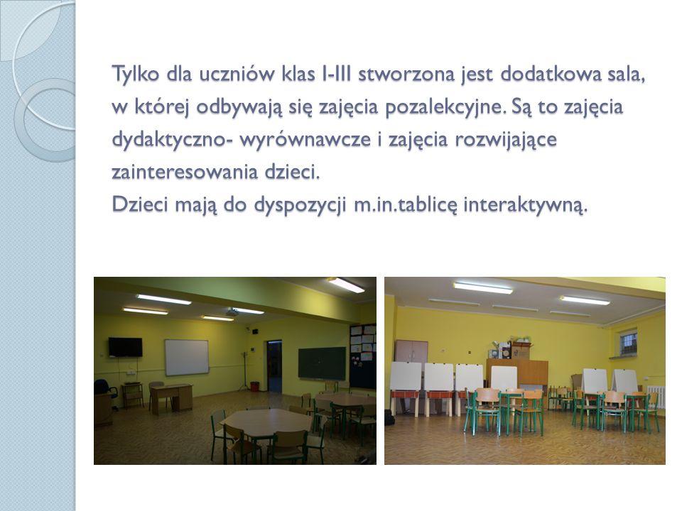 Tylko dla uczniów klas I-III stworzona jest dodatkowa sala, w której odbywają się zajęcia pozalekcyjne.