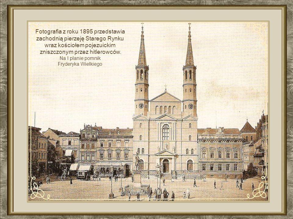 Fotografia z roku 1895 przedstawia zachodnią pierzeję Starego Rynku
