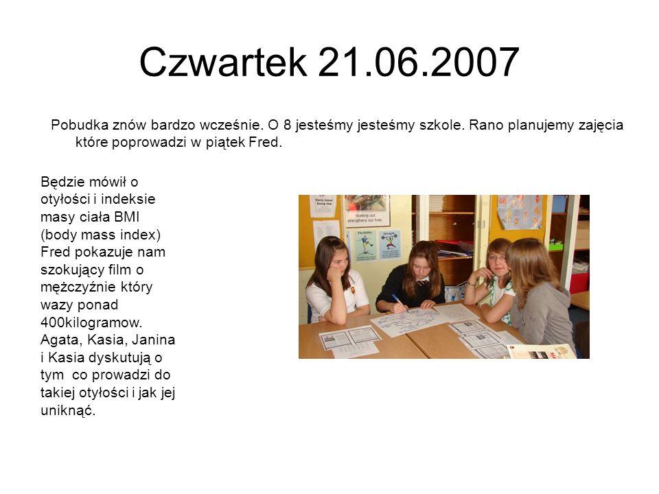 Czwartek 21.06.2007Pobudka znów bardzo wcześnie. O 8 jesteśmy jesteśmy szkole. Rano planujemy zajęcia które poprowadzi w piątek Fred.