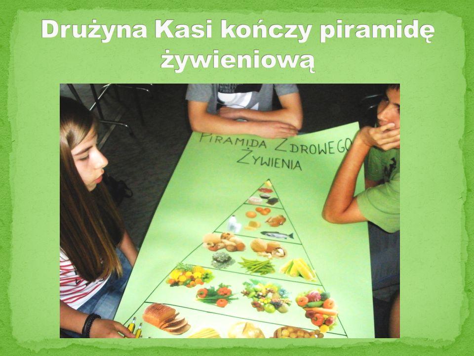Drużyna Kasi kończy piramidę żywieniową