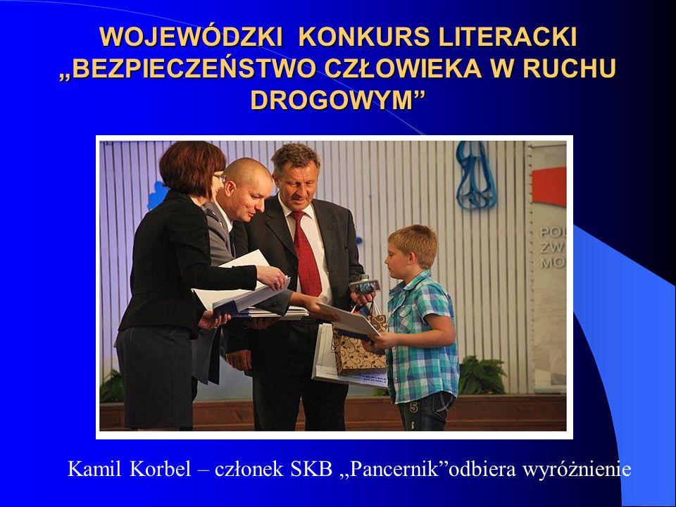 """Kamil Korbel – członek SKB """"Pancernik odbiera wyróżnienie"""