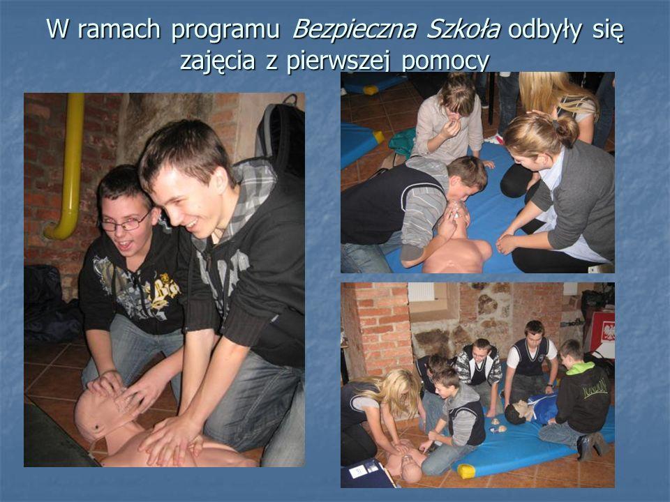 W ramach programu Bezpieczna Szkoła odbyły się zajęcia z pierwszej pomocy
