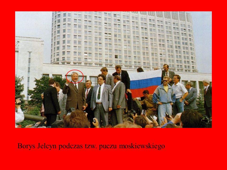 Borys Jelcyn podczas tzw. puczu moskiewskiego