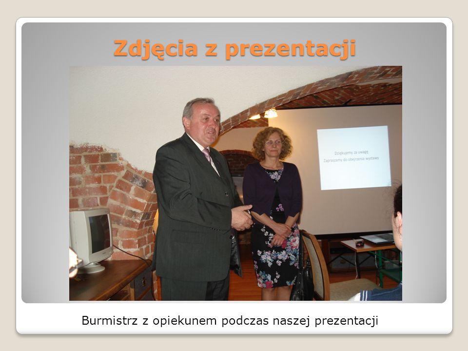 Burmistrz z opiekunem podczas naszej prezentacji