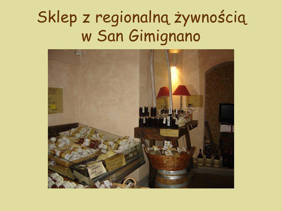 Sklep z regionalną żywnością w San Gimignano