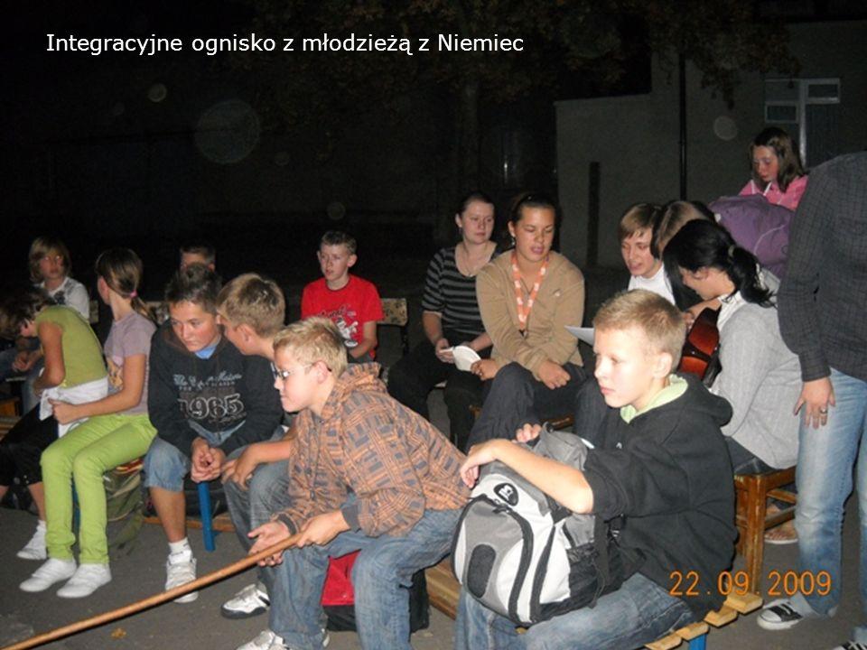 Integracyjne ognisko z młodzieżą z Niemiec