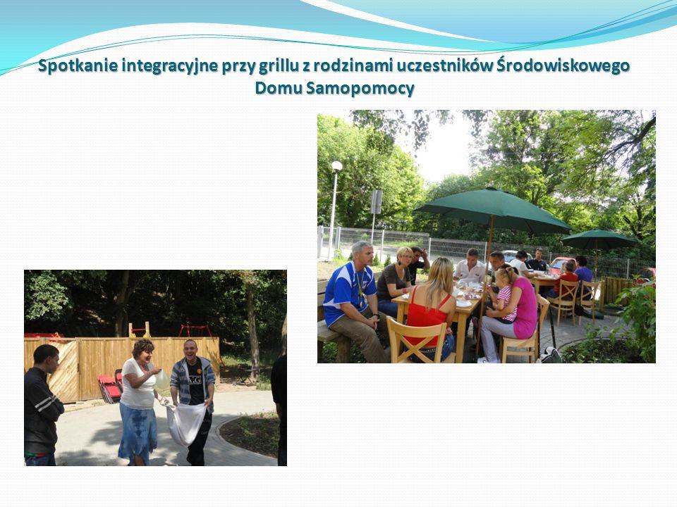 Spotkanie integracyjne przy grillu z rodzinami uczestników Środowiskowego Domu Samopomocy