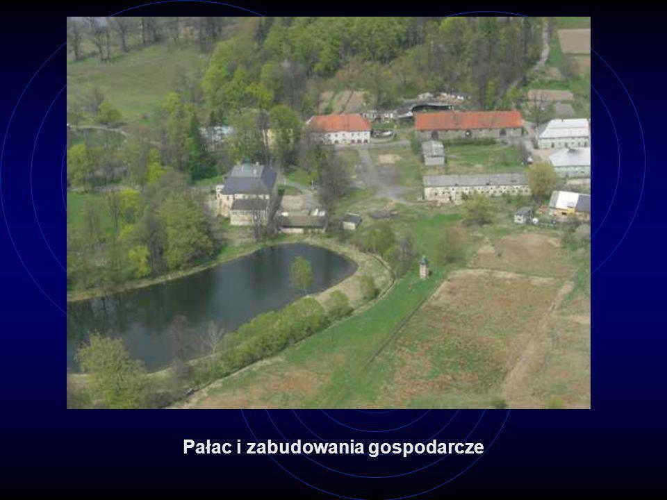 Pałac i zabudowania gospodarcze