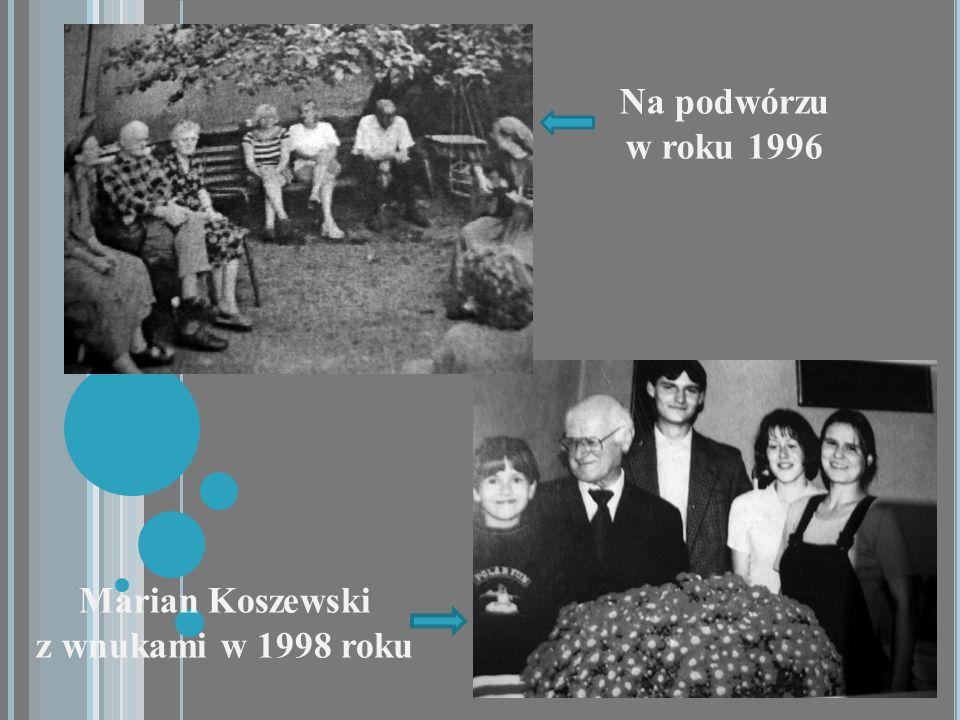 Marian Koszewski z wnukami w 1998 roku