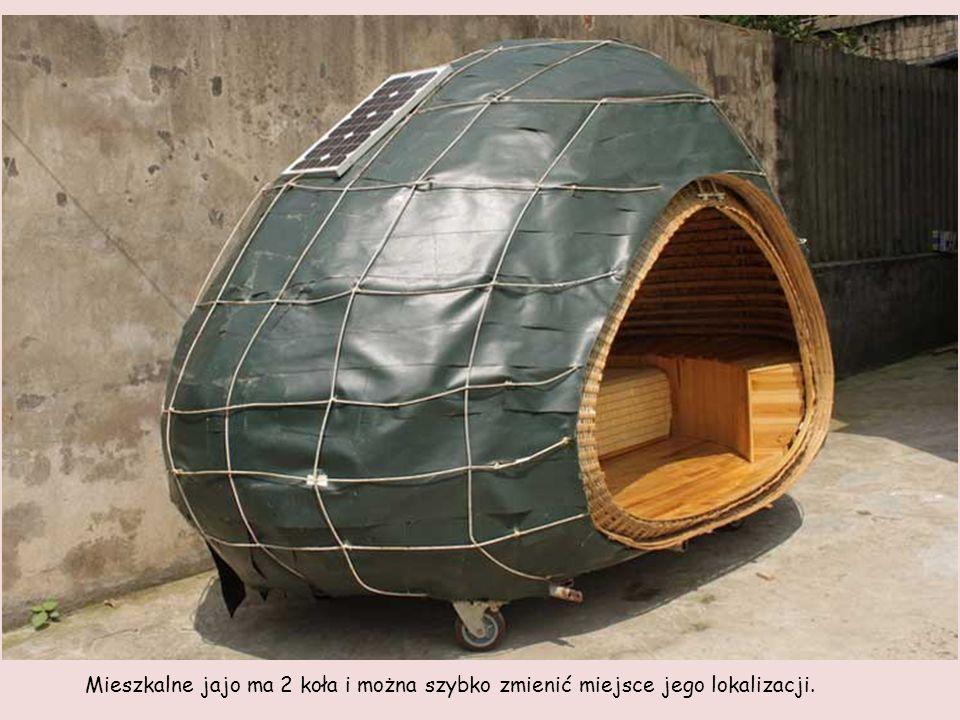 Mieszkalne jajo ma 2 koła i można szybko zmienić miejsce jego lokalizacji.