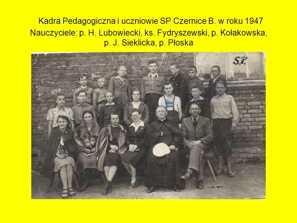 Kadra Pedagogiczna i uczniowie SP Czernice B