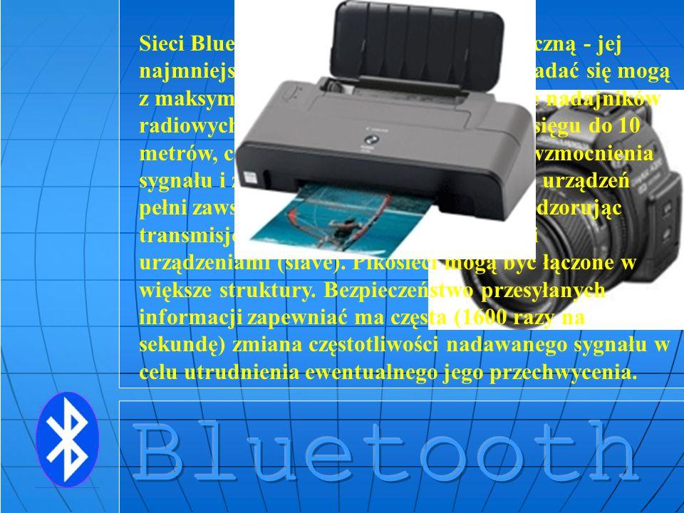 Sieci Bluetooth mają strukturę hierarchiczną - jej najmniejsze jednostki (tzw. pikosieci) składać się mogą z maksymalnie 8 urządzeń. Zastosowanie nadajników radiowych małej mocy ogranicza pole zasięgu do 10 metrów, choć istnieje jednak możliwość wzmocnienia sygnału i zasięgu do 100 metrów. Jedno z urządzeń pełni zawsze rolę nadrzędną (master), nadzorując transmisję danych pomiędzy pozostałymi urządzeniami (slave). Pikosieci mogą być łączone w większe struktury. Bezpieczeństwo przesyłanych informacji zapewniać ma częsta (1600 razy na sekundę) zmiana częstotliwości nadawanego sygnału w celu utrudnienia ewentualnego jego przechwycenia.