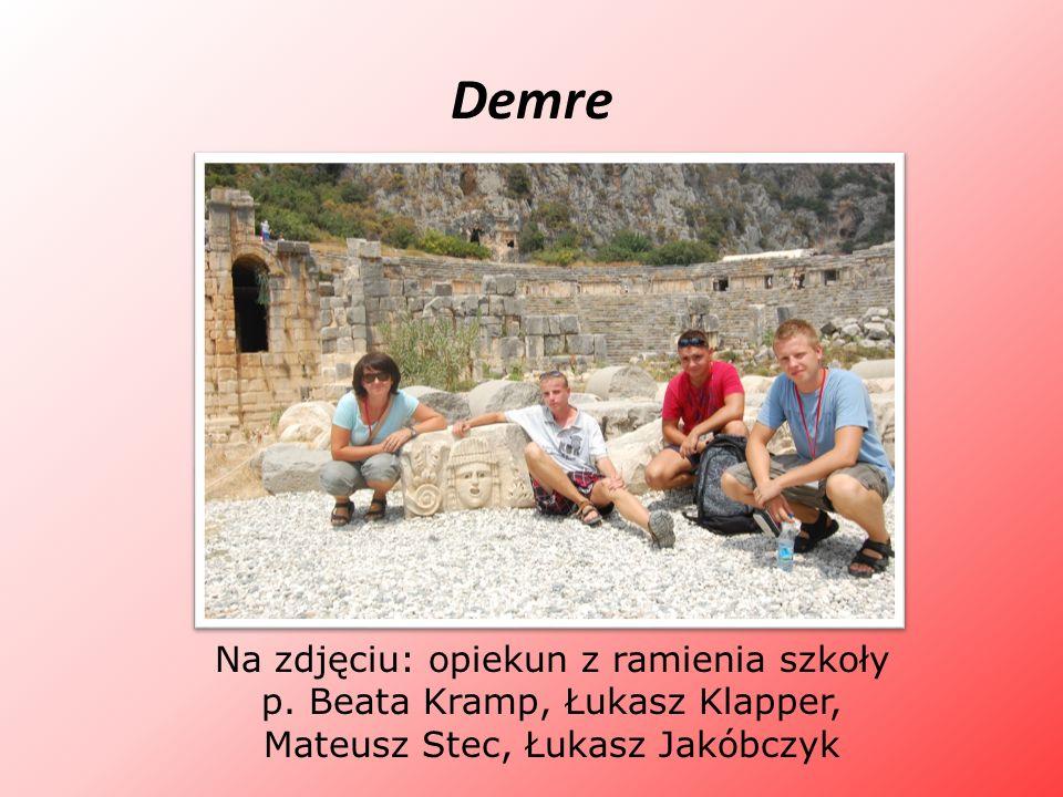 DemreNa zdjęciu: opiekun z ramienia szkoły p.
