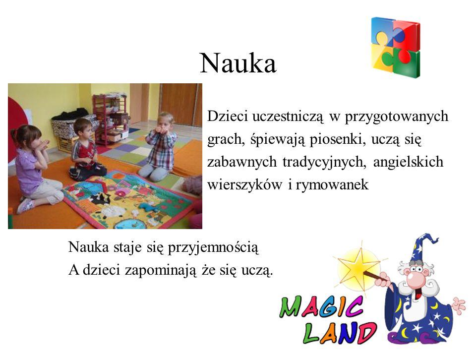 Nauka Dzieci uczestniczą w przygotowanych