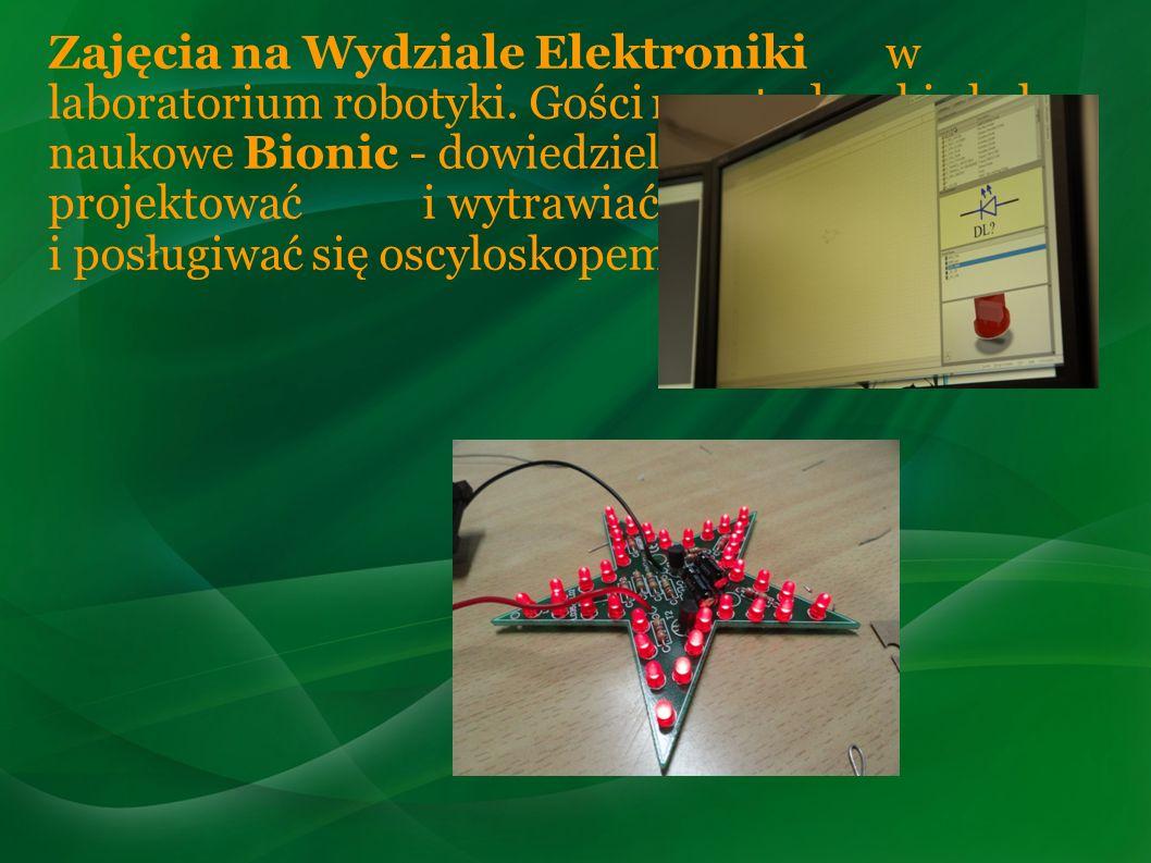 Zajęcia na Wydziale Elektroniki w laboratorium robotyki