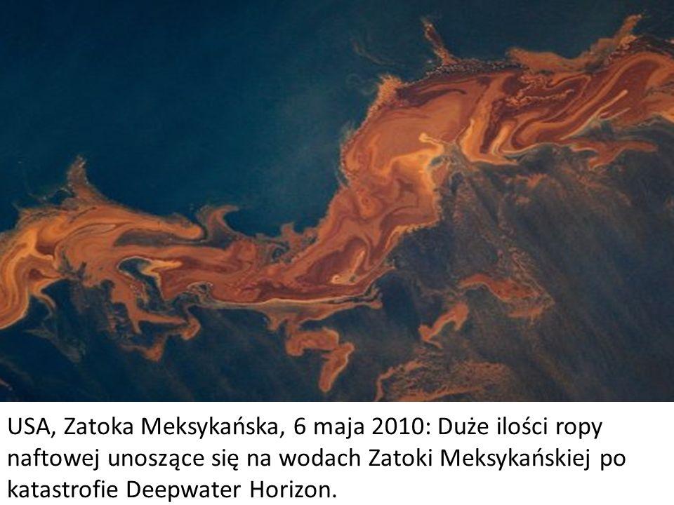 USA, Zatoka Meksykańska, 6 maja 2010: Duże ilości ropy naftowej unoszące się na wodach Zatoki Meksykańskiej po katastrofie Deepwater Horizon.