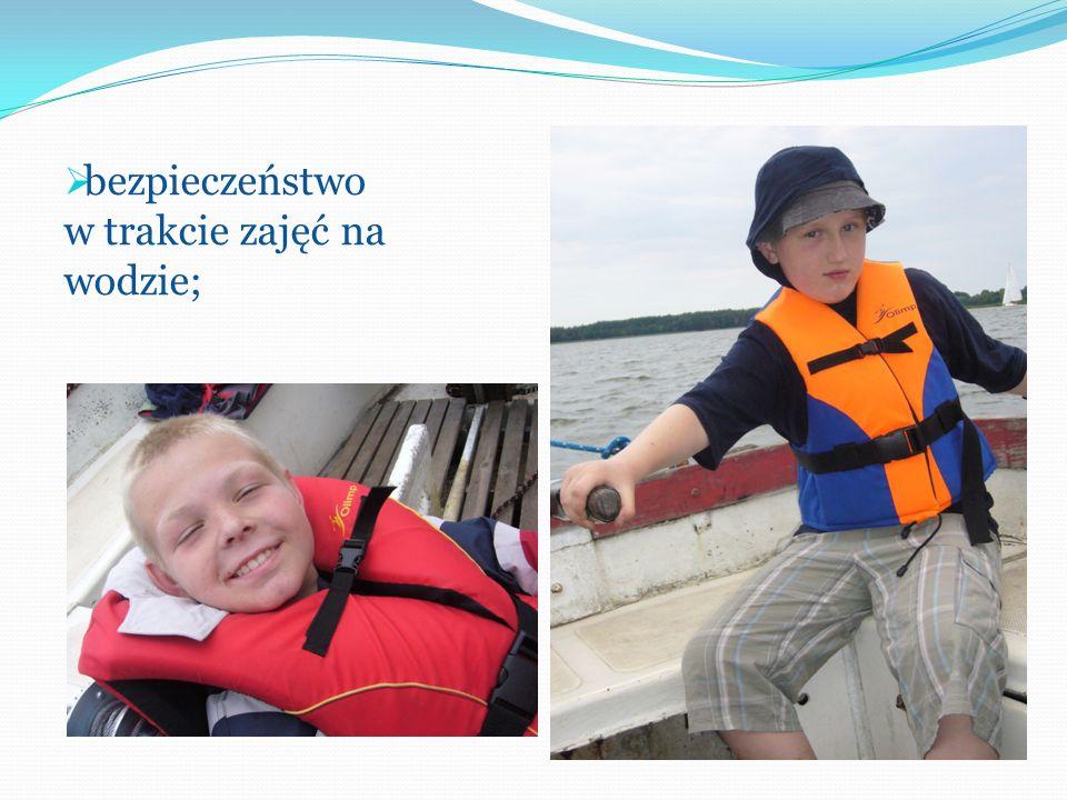 bezpieczeństwo w trakcie zajęć na wodzie;