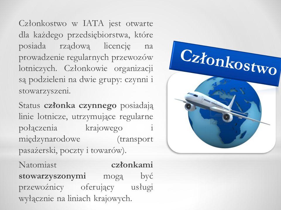 Członkostwo w IATA jest otwarte dla każdego przedsiębiorstwa, które posiada rządową licencję na prowadzenie regularnych przewozów lotniczych. Członkowie organizacji są podzieleni na dwie grupy: czynni i stowarzyszeni. Status członka czynnego posiadają linie lotnicze, utrzymujące regularne połączenia krajowego i międzynarodowe (transport pasażerski, poczty i towarów). Natomiast członkami stowarzyszonymi mogą być przewoźnicy oferujący usługi wyłącznie na liniach krajowych.