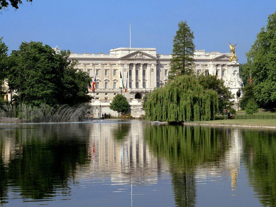 Buckingham Palace – oficjalna, stała rezydencja królewska od 1837r