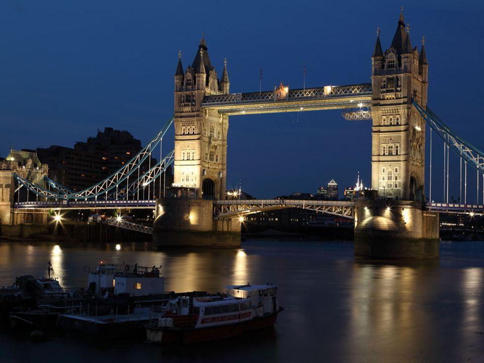 Tower Bridge ( Most Wieżowy )- to niekwestionowany symbol Londynu zaraz po Big Benie.