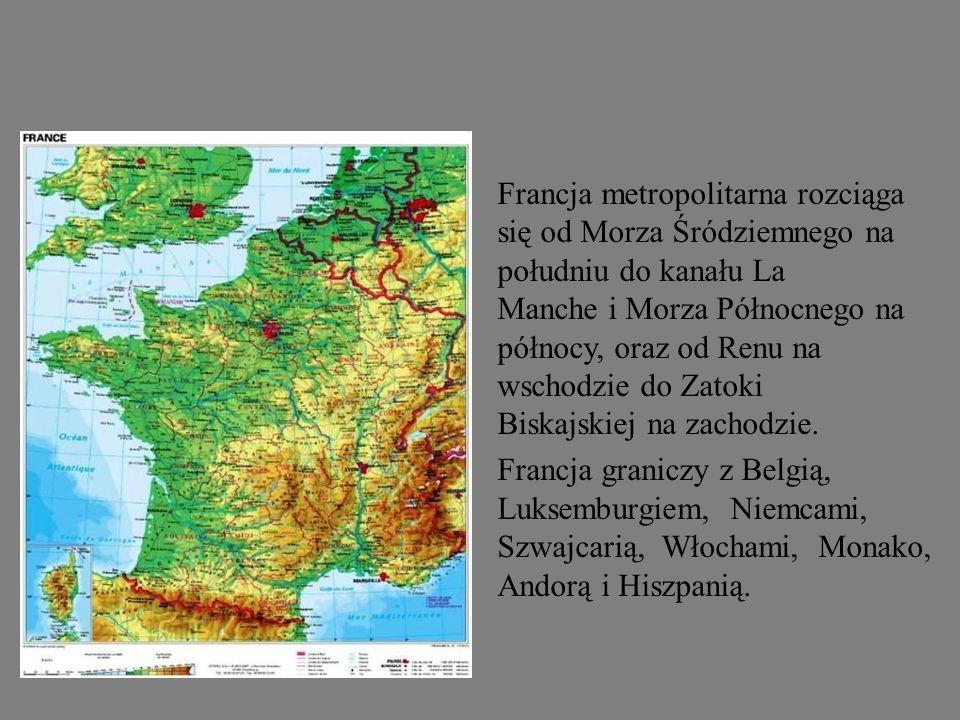 Francja metropolitarna rozciąga się od Morza Śródziemnego na południu do kanału La Manche i Morza Północnego na północy, oraz od Renu na wschodzie do Zatoki Biskajskiej na zachodzie.