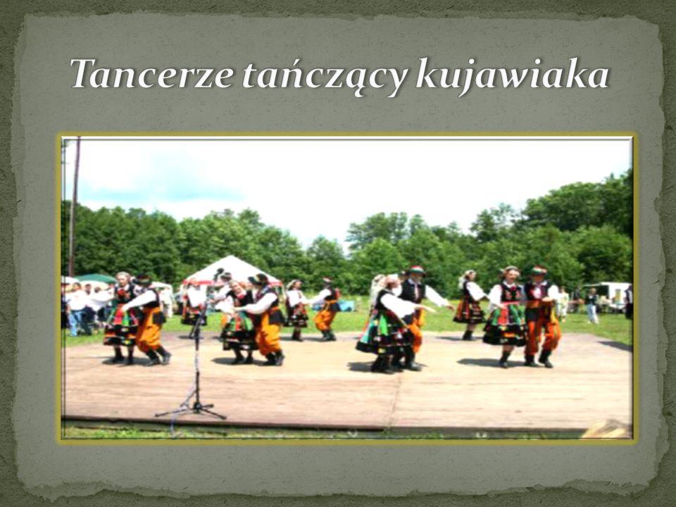 Tancerze tańczący kujawiaka