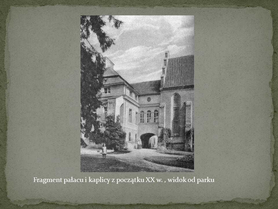 Fragment pałacu i kaplicy z początku XX w. , widok od parku