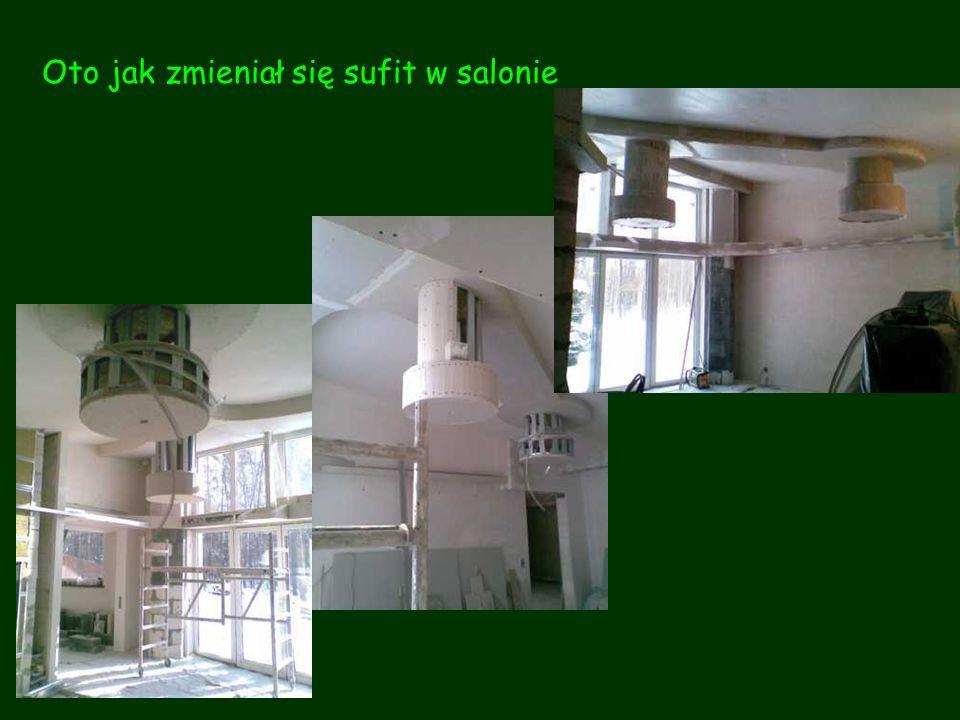 Oto jak zmieniał się sufit w salonie