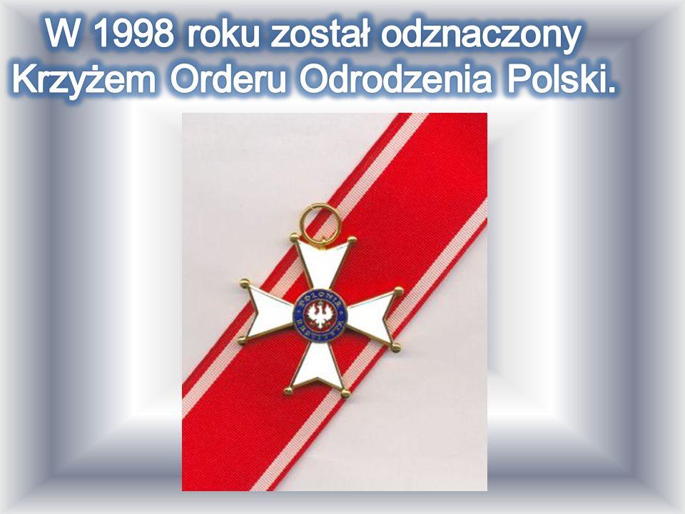 W 1998 roku został odznaczony Krzyżem Orderu Odrodzenia Polski.
