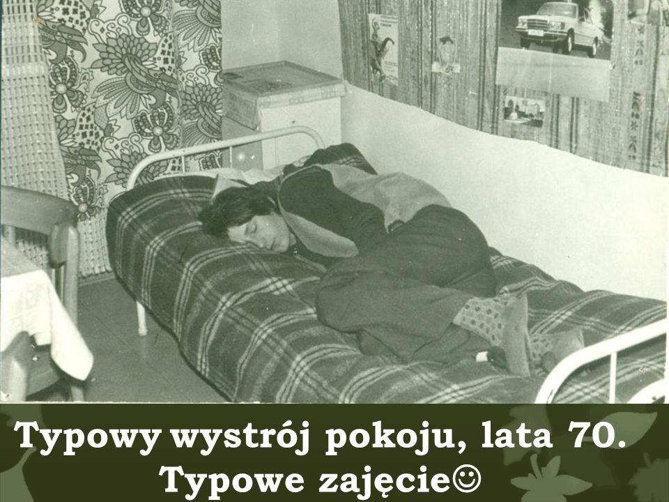 Typowy wystrój pokoju, lata 70.