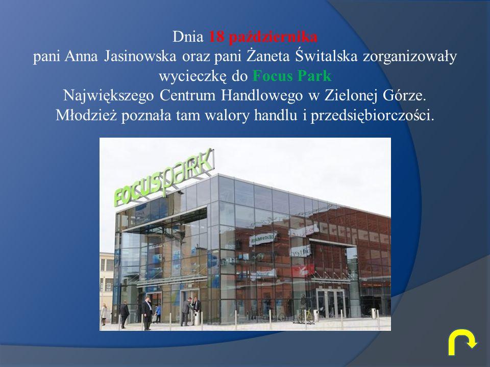Dnia 18 października pani Anna Jasinowska oraz pani Żaneta Świtalska zorganizowały wycieczkę do Focus Park.