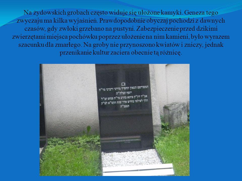 Na żydowskich grobach często widuje się ułożone kamyki