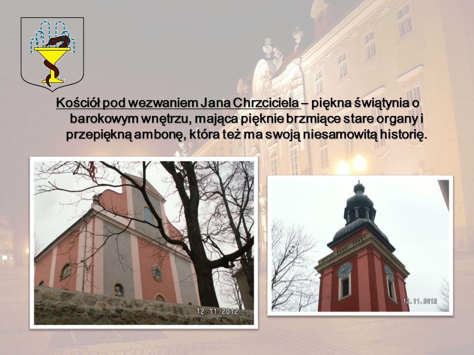 Kościół pod wezwaniem Jana Chrzciciela – piękna świątynia o barokowym wnętrzu, mająca pięknie brzmiące stare organy i przepiękną ambonę, która też ma swoją niesamowitą historię.