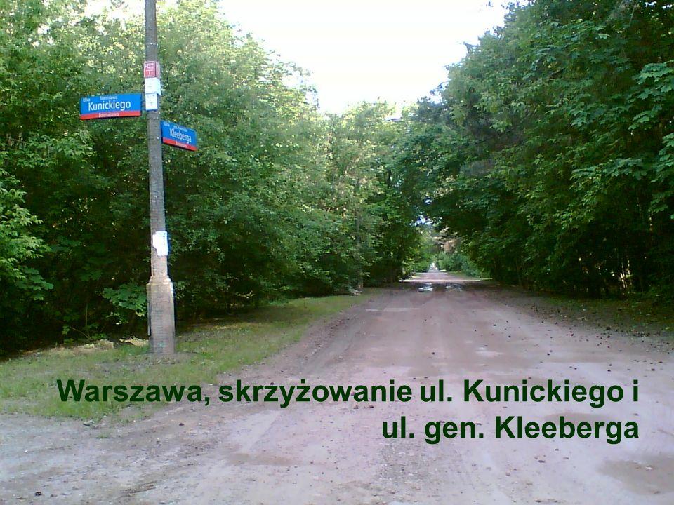 Warszawa, skrzyżowanie ul. Kunickiego i ul. gen. Kleeberga