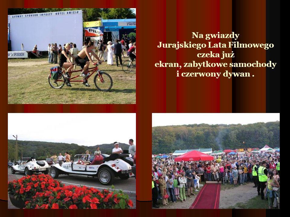 Na gwiazdy Jurajskiego Lata Filmowego czeka już ekran, zabytkowe samochody i czerwony dywan .