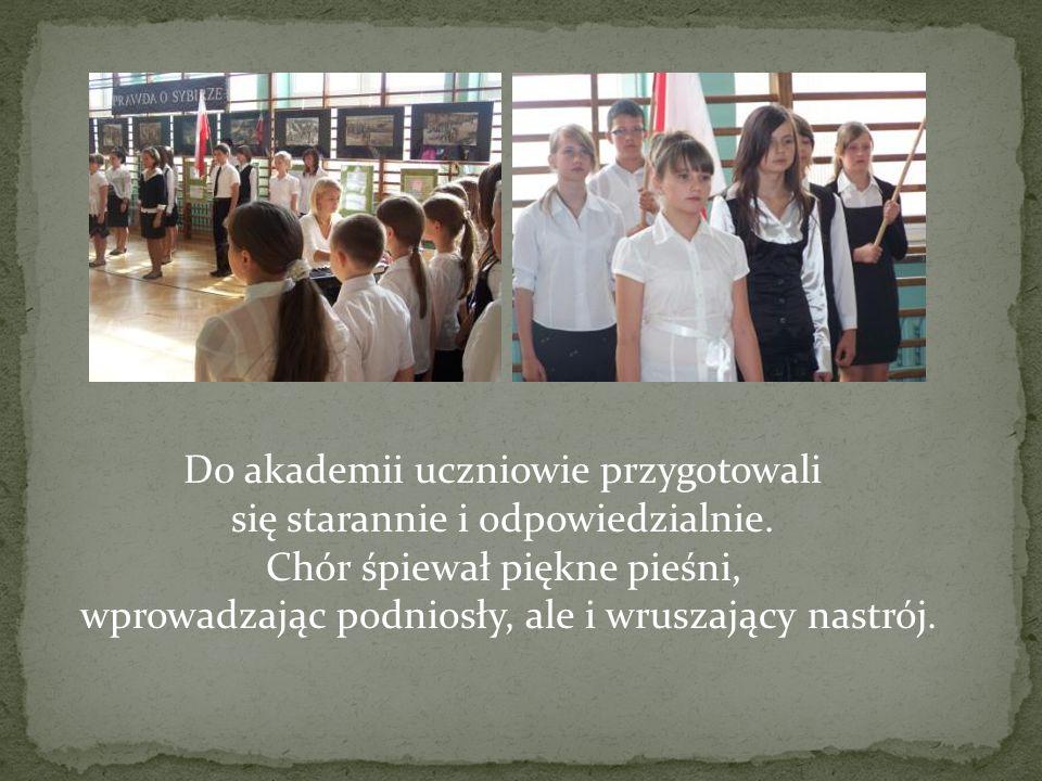 Do akademii uczniowie przygotowali się starannie i odpowiedzialnie.